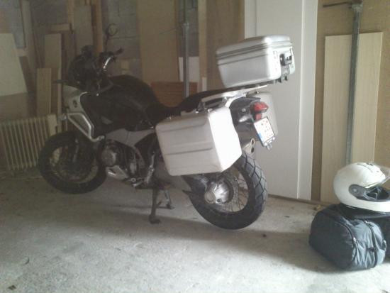 Haus Tirolerland: garage for motorcycle and cars