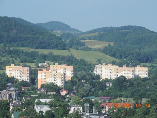 """Ustron, Poland: Widok z balkonu, ktory jedynie to moze zadowolic - bo co do ceny tego """"apartamentu"""" to mozna bar"""