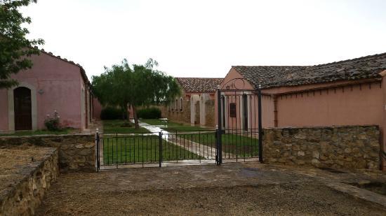 Villa D'andrea: L'ingresso alle camere