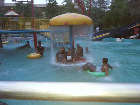 Wonderla Amusement Park: Water pool in wonderla