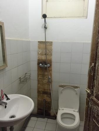 Casa Selini : The bathroom