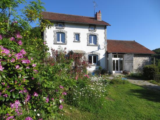 La maison bleue 23 b b sardent france voir les tarifs 19 avis et 10 photos - La maison bleue chanson ...