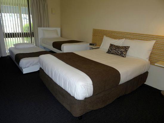 zig zag motel 92 1 0 5 updated 2018 prices. Black Bedroom Furniture Sets. Home Design Ideas