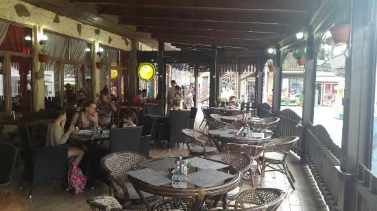 Lastochka Cafe