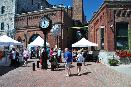Distillery Historic District: The clock in the centre square.