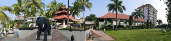 Vivanta by Taj - Malabar: A Panorama