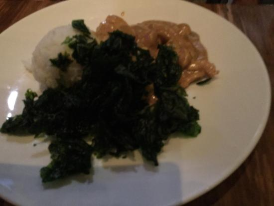 Ong Ca Can: Chicken with spinach in peanut sauce