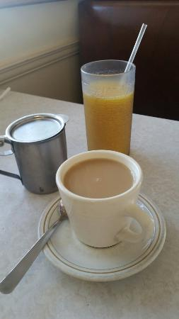 Gateway Restaurant: Large OJ & a coffee