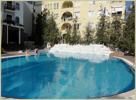 Boulevard Hotel: het grote zwembad