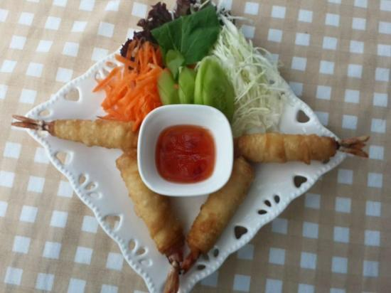 Enjoy Restaurant & Bar: prawn spring roll