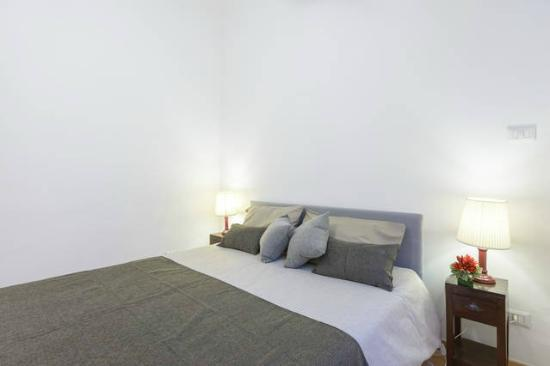 Ave Roma Guest House: Camera Matrimoniale (Possibilità per 3° letto in aggiunta)