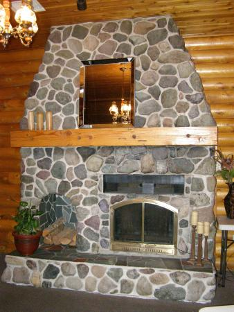 All Seasons Inn & Restaurant : One of our three stone fireplaces