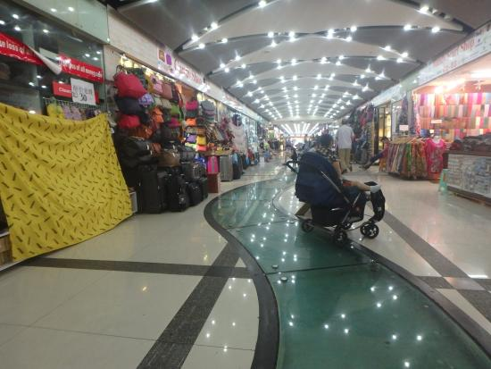 Xiangyang Market : A main aisle in the market.