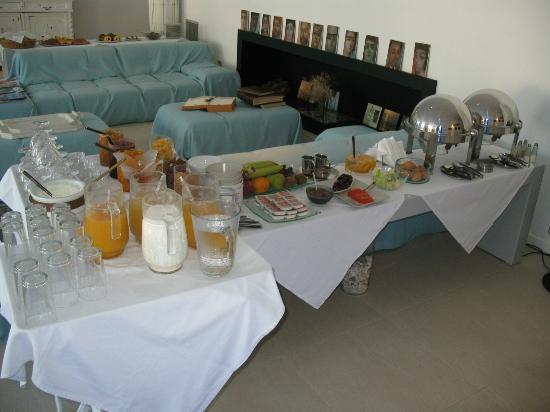 Perantzada 1811 Art Hotel: Part of the breakfast