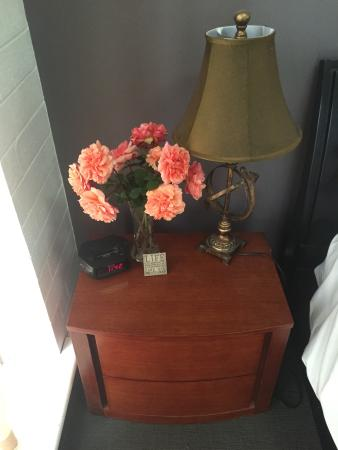 Lyndoch Hill: quaint bedside table complete with fresh roses from their gardens