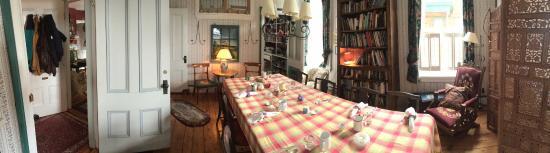 Mecklenburgh Inn: Dining Room