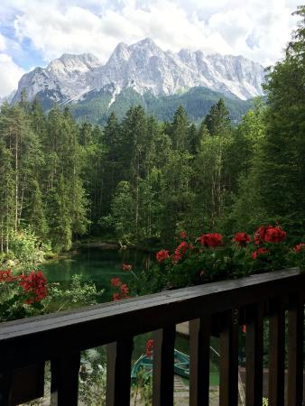 Hotel am Badersee: View from our room of the Zugsptize mountain