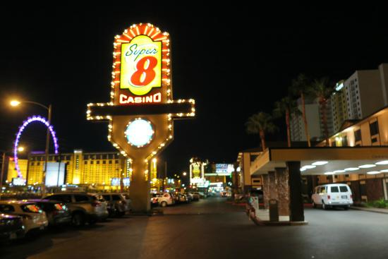 super 8 las vegas casino