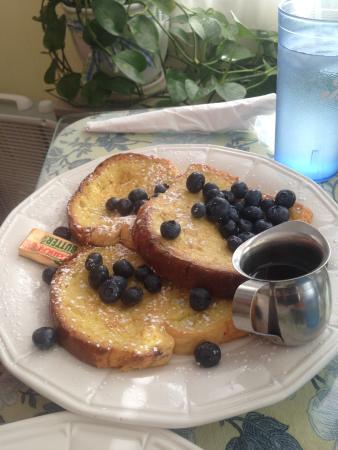 Bridge Street Cafe: french toast +