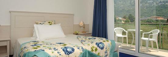 Piccolo Mondo Hotel #Hotel #PiccoloMondo #Torbole