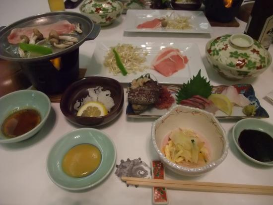 Campana Hotel: 夕食のごく一部