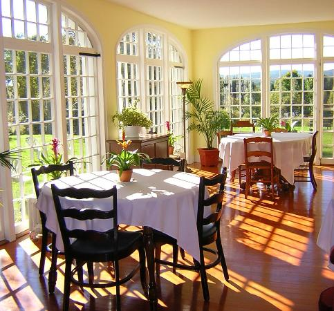 Northfield, MA: Summer Dining Room