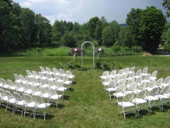 Northfield, MA: Perfect for summer weddings