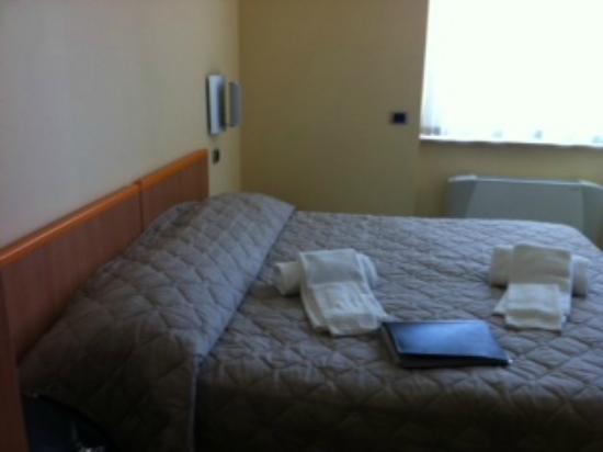 Hotel il Gabbiano La Spezia: Luminosa y muito limpa