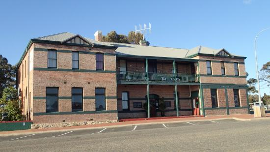 The Gnowangerup Hotel