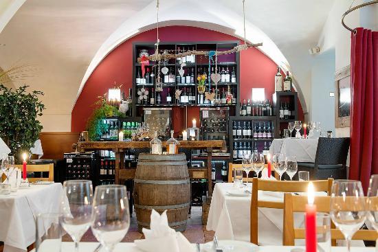 ef16 Restaurant Weinbar