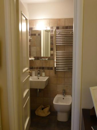 Antiche Volte: Nice but small bathroom (first room from reception)