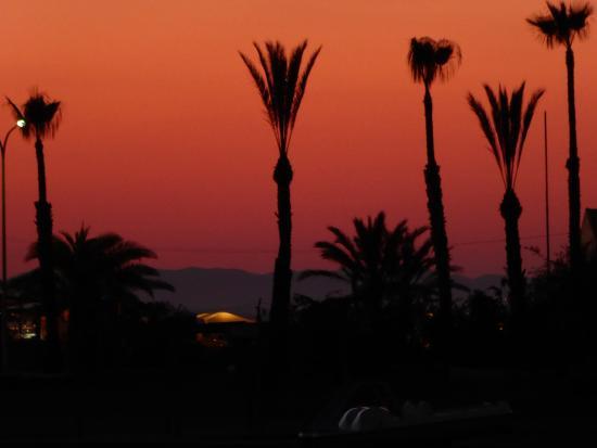 Mar de Cristal, España: sunset from arena across the bay