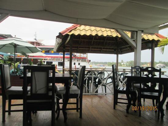 El Limbo on the Sea Hotel: Tardecita y una cerveza en ese paraiso....