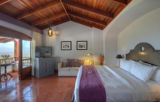 Hotel Alta Las Palomas: our master suite