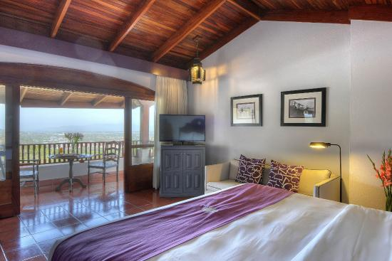 Hotel Alta Las Palomas: master suite with beautiful view