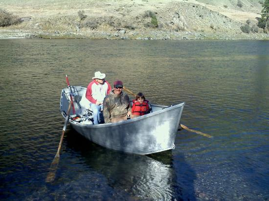 Drift boat fishing picture of idaho wild river adventures idaho wild river adventures drift boat fishing sciox Gallery