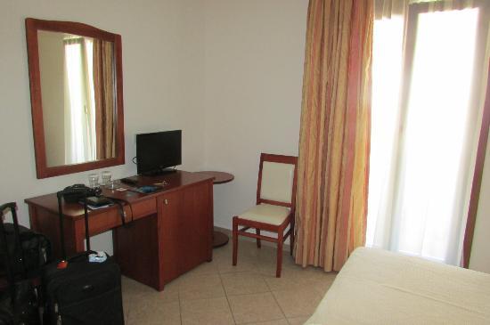 Naxos Resort Beach Hotel: Basic room # 403
