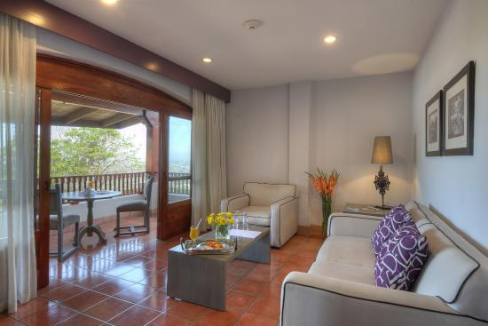 Hotel Alta Las Palomas: grand suite with living room and private terrace
