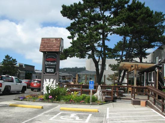 Driftwood Restaurant Lounge Cannon Beach Oregon