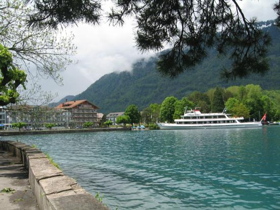 Hotel Seiler au Lac: View of hotel from lakeside path