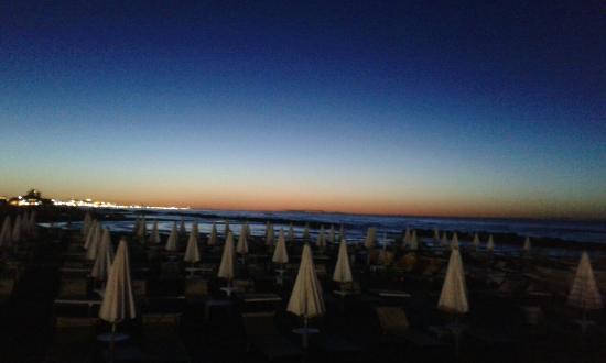 Hotel Bristol: vi regalo alcuni momenti dall'alba  al tramonto intanto che mi dedico  al mio hobby:ls pesca