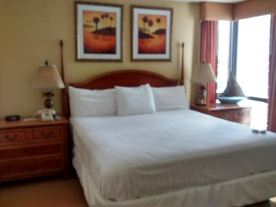 Schooner II Beach/Racquet Club: bedroom