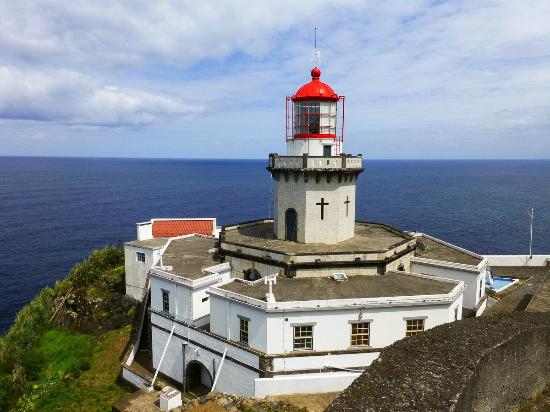 Nordeste, Portugal : Farol do Arnel Lighthouse