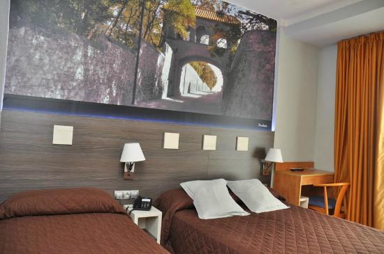 Hotel Ciutadella: habitacion