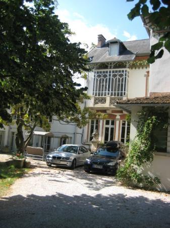La Maison de Chapelier : Back entrance