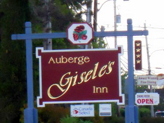 Auberge Gisele's Country Inn: Outside sign