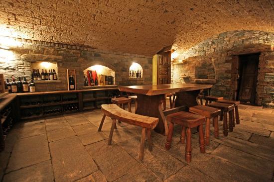 ...la nostra taverna in pietra... - Foto di Salumificio ...
