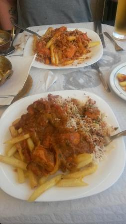Tasty Cuisine : Chicken Chilli again with Vindaloo in background