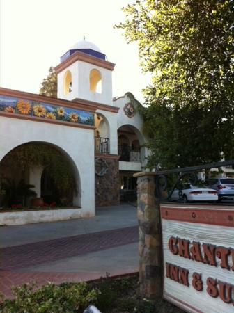 Chantico Inn: motel exterior