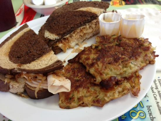 Dor-Stop Restaurant: chicken Rachel with potato pancakes